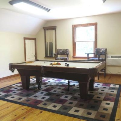 Brunswick Contender Pool Table & Accessories
